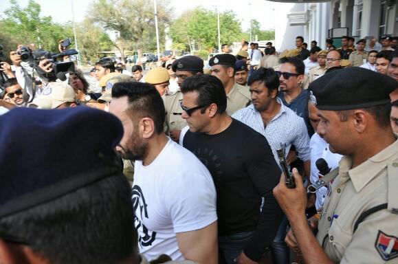 Salman Khan Outside Jodhpur Court, Salman Khan convicted