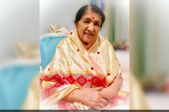 Lata Mangeshkar Hospitalised, Lata Mangeshkar critical, Lata Mangeshkar in breach candy hospital